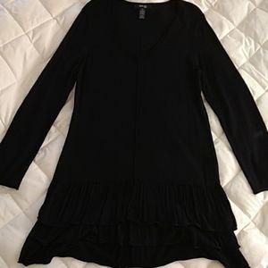 (NWOT) Long Sleeve V-Neck Dress w/ Bottom Ruffles